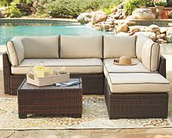 How To Style And Beautify Your Outdoors If You Have A Smaller Space?